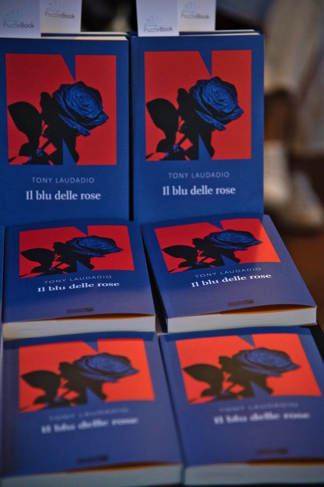 Il blu delle rose, Tony Laudadio